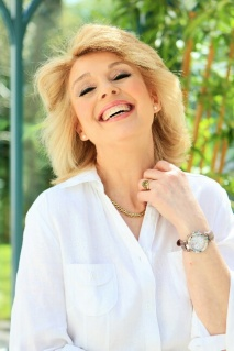 Julia Betts